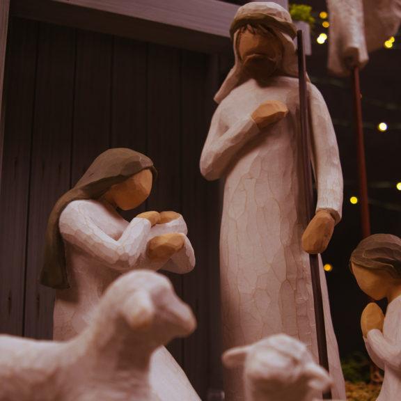 The-Nativity-set-figurine